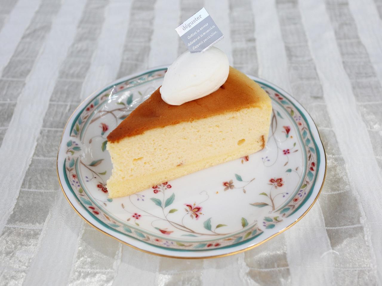 パルメザンスフレチーズケーキ